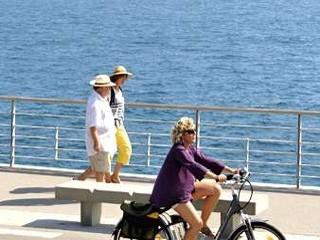 Huur een fiets of een scooter