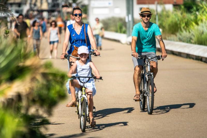 """On a bike """"Accueil vélo"""""""