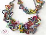 WEB-07-Collier-Triangles-en