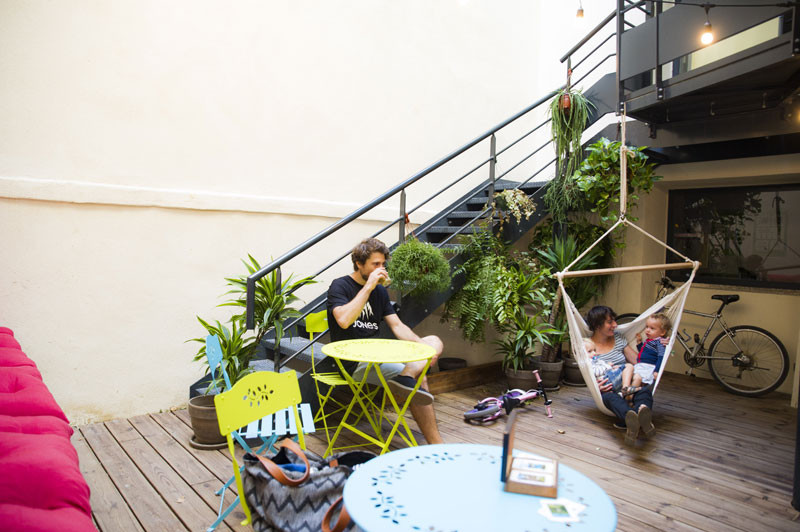 georges-hostel-patio-4336-4336