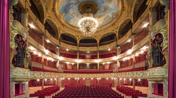 Image gallery moliere theatre for Theatre du petit miroir