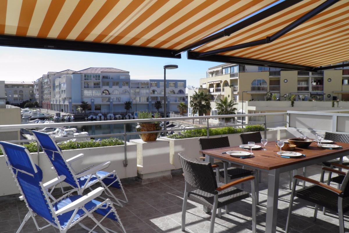 meubl s appartement 5 personnes 2 cl s cl vacances office de tourisme de s te. Black Bedroom Furniture Sets. Home Design Ideas