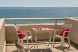 1-Petit-déjeuner face à la mer