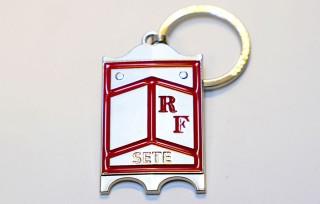 porte-cles-pavois-rouge-6750539-6904660