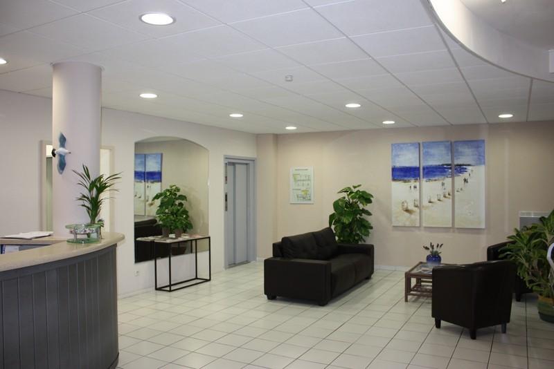 800x600-hotel-azur-sete-reception-1334-4595892